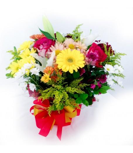 Vaso de Alumínio com Flores Nobres
