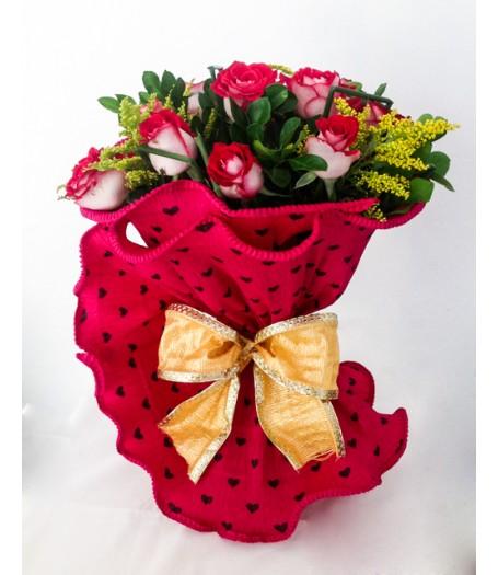 Ramalhte c/12 rosas e embalagem especial
